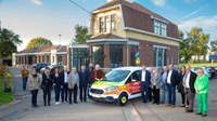 Depuis quelques jours, le Centre public d'Action sociale D'Ans a mis en circulation un nouveau taxi social grâce au partenariat de plusieurs firmes et commerces locaux.